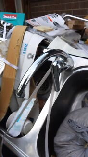 Hot/cold kitchen mixer tap  Yowie Bay Sutherland Area Preview