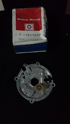 Distributor Plate (NOS DISTRIBUTOR PLATE FOR JEEP CJ AND CHEVROLET WITH DELCO DISTRIBUTOR)
