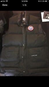 Black Canada Goose Vest Small (men)