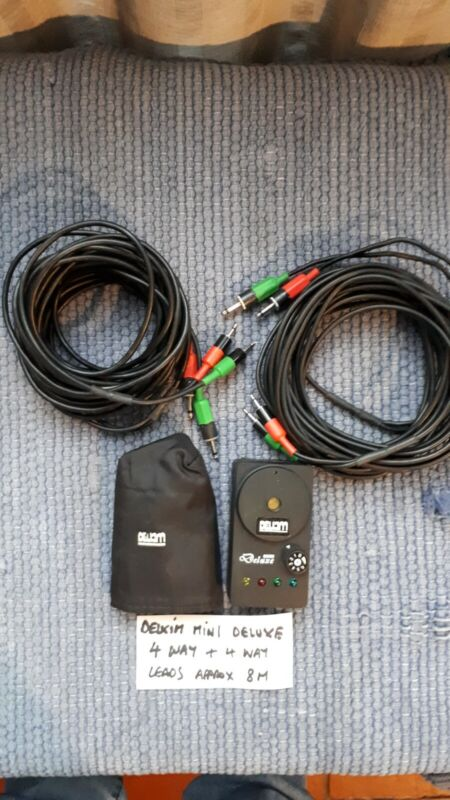 DELKIM MINI DELUXE 4 way EXC COND + SOFT CASE 8M LEADS SPLIT IN 2 SETS OF 2 WAY