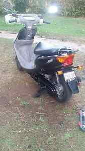 Yamaha 2009 moped Ferny Hills Brisbane North West Preview