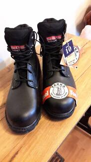 Hard Yakka steel capped work boots - BRAND NEW IN BOX, Size 10 Campbelltown Campbelltown Area Preview