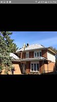 TOP QUALITY ROOFING SERVICES•Free Estimates!