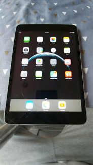 iPad Mini 2nd Gen Space Grey - Cracked Screen