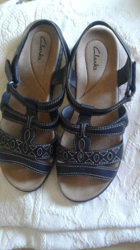 clarks sandals EUC black womens 9W 0214