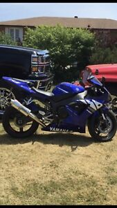 2003 Yamaha R1 $5000 obo or trade for a boat