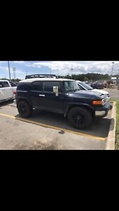Trade or sell 2007 FJ CRUISER SAFETIED