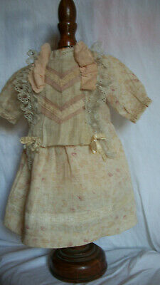 ANTIQUE STYLE DRESS FOR A GERMAN BISQUE DOLL      S- 2-2