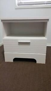 BEDSIDE TABLES WHITE 2