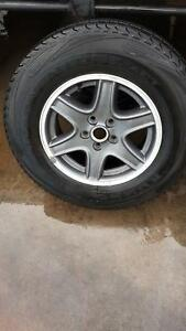 5 X235/70R16 geniune jeep cherokee wheels with tyres Coopers Plains Brisbane South West Preview