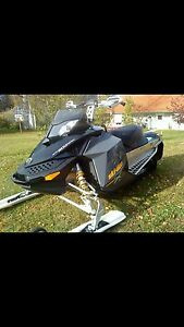 08 skidoo 600 (  Reduced to $3000)