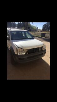 2004 Holden rodeo auto $2500 or swap