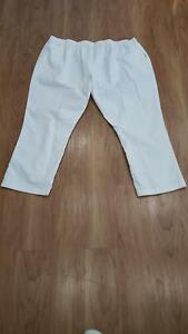 Women's Plus Size White Pants Size 5X Brand New Never Worn