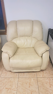 4 Piece Italian Ivory Leather Sofa Liverpool Liverpool Area Preview