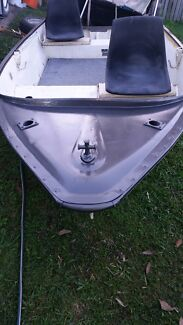 Aluminium boat 12ft  Hillcrest Logan Area Preview