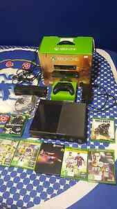 Xbox One 500GB with Kinect package Aberfoyle Park Morphett Vale Area Preview