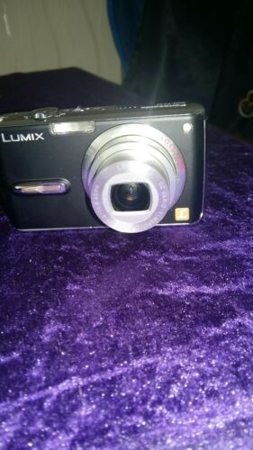 Panasonic LUMIX DMC-FX07 7.2MP Digital Camera - black