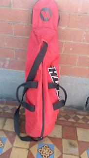 Worth softball/baseball bag with bat slot