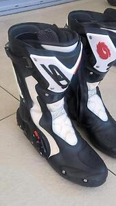 SIDI Fusion Motorcycle Boots Cleveland Redland Area Preview