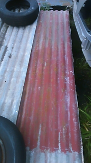 Roofing iron
