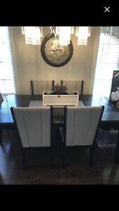 Sofia Vergara Dinning table collection