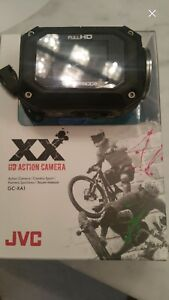 JVC Action Camera comes with 2 extra batteries
