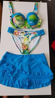 3-piece bikini w. skort Sz14