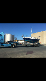 Cal 27 sailing yacht