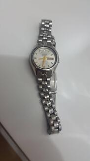 Womens Citizen Quartz Watch -Stainless Steel -Stylish!