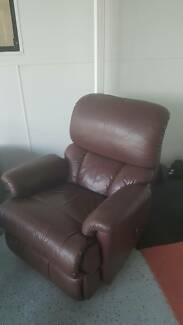 Giveaway 2 Genuine Leather Recliners