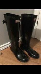 Authentic black hunter boots (size 8)