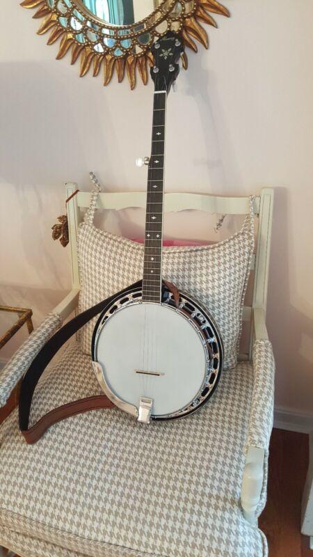 Alvarez Banjo