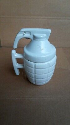 1 Kaffeetasse in Form einer Handgranate, weiß, NEU Messeware Halloween  ()