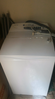 Fisher and paykel top loader washing machine, 5.5kg