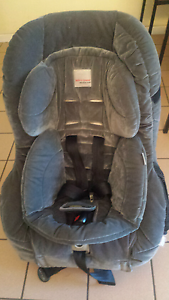 Safe-n-sound  AHR car  seat Doveton Casey Area Preview