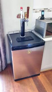 Kegerator - Beer Fridge, Twin Tap, Four Kegs, Complete Setup!