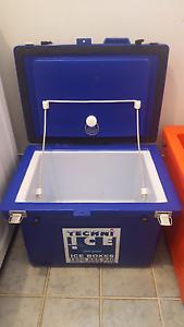 Techni Ice cooler esky ice box 40L North Gosford Gosford Area Preview