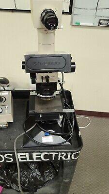 Olympus Microscope Beta Trinocular Whk10x Eyepieces X-stage And Light Source