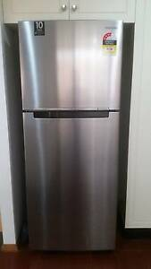 Almost new Samsung 420 L Fridge Terrigal Gosford Area Preview
