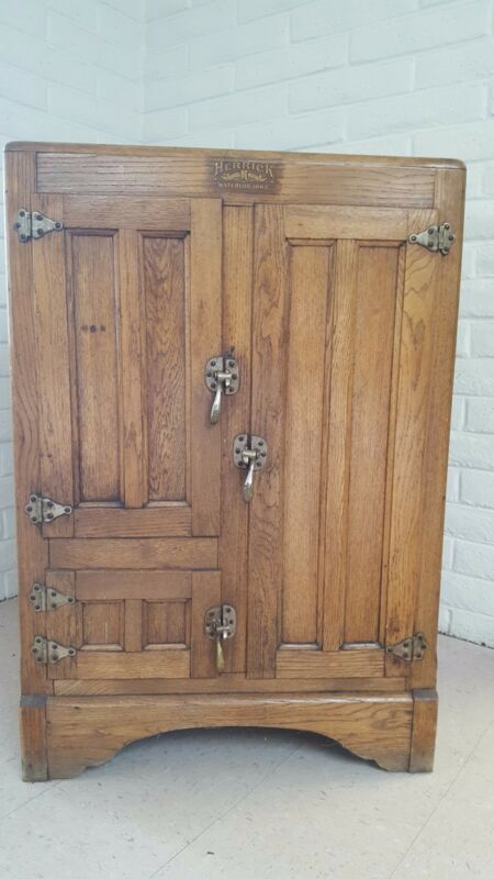Antique Wood Ice Box – Herrick, Waterloo, Iowa - All Original and Complete