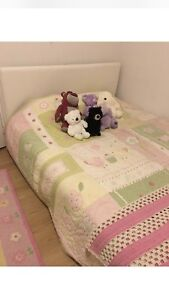 Queen bed great condition.