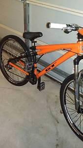 GT Chucker Dirt Jumper Bike Seaford Meadows Morphett Vale Area Preview