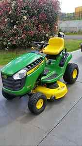 Ride on mower - John Deere D105 with ramps Morisset Lake Macquarie Area Preview