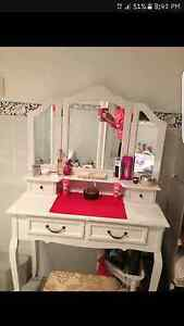 Vintage  Dressing table with stool Tarro Newcastle Area Preview