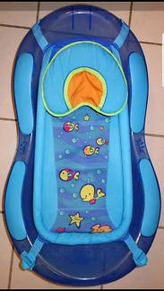 EUC Fisher price newborn baby toddler tub bath with sling