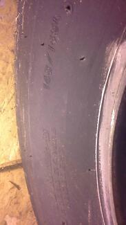 Dunlop 11R 22.5 148/145L