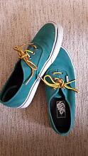 Vans classic shoes green unisex ~almost new~ size:men6 / women7.5 Middle Cove Willoughby Area Preview