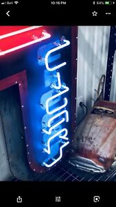 Wanted OLD NEON SIGNS