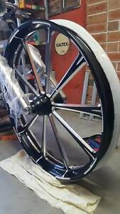 BRAND NEW Harley Davidson 26 inch wheel and tyre package