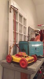 Wanted: pedal car, tractor, wagon, tricycle,  tin toy etc Kitchener / Waterloo Kitchener Area image 4